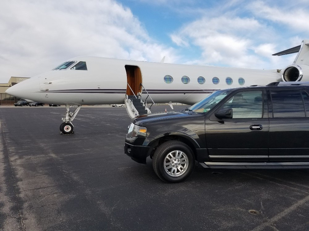 Kansas City SUV Transportation Services for Private Aviation