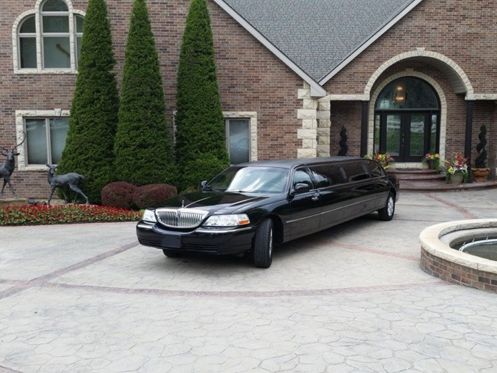 Stretch limousine service in Kansas City