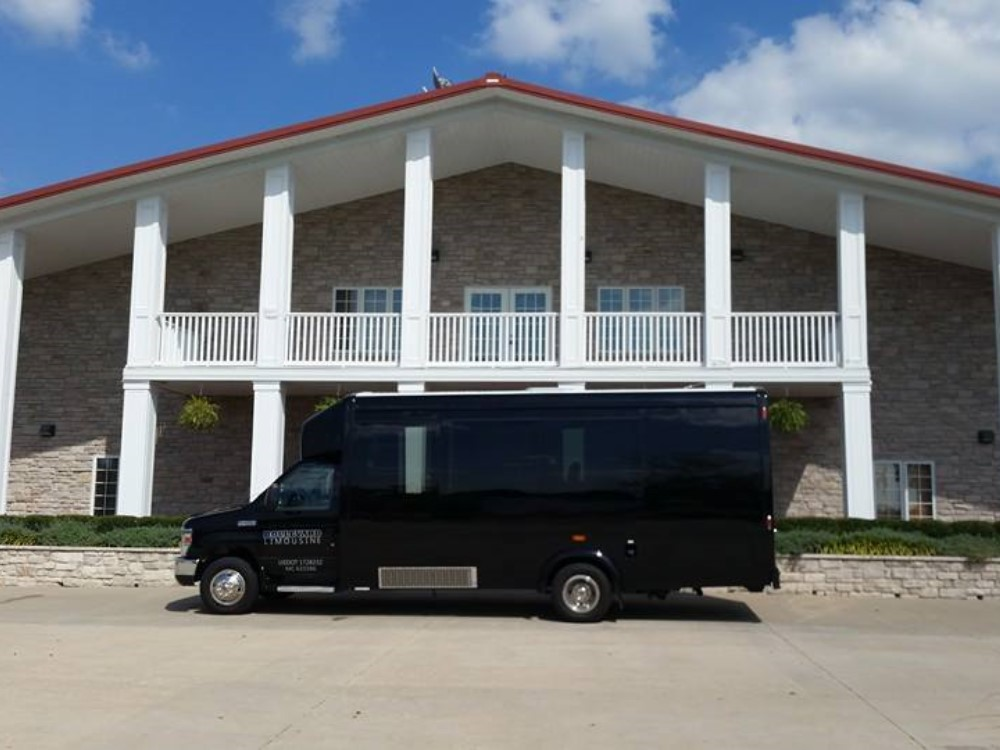 KC Party Bus Exterior Photo